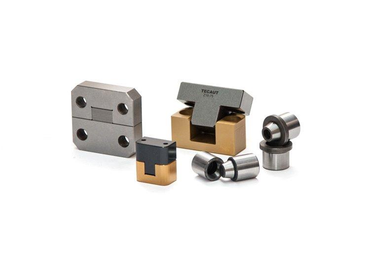 Centraggio componenti normalizzati per stampi